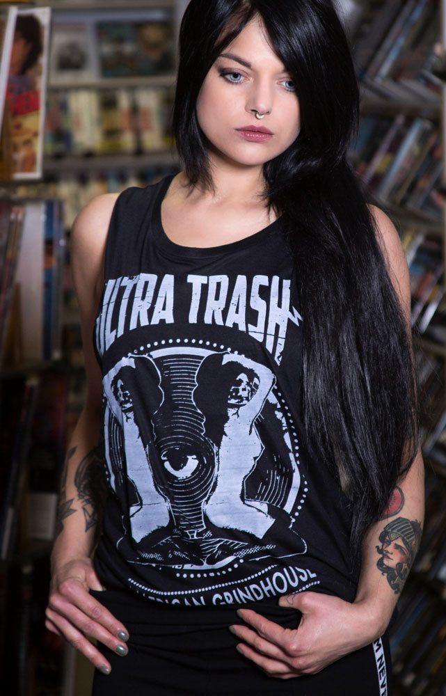 ultratrash-okkulto-women